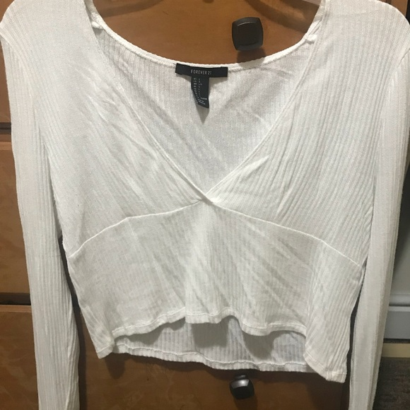 Forever 21 Tops - Forever21 White Long Sleeve Crop Top